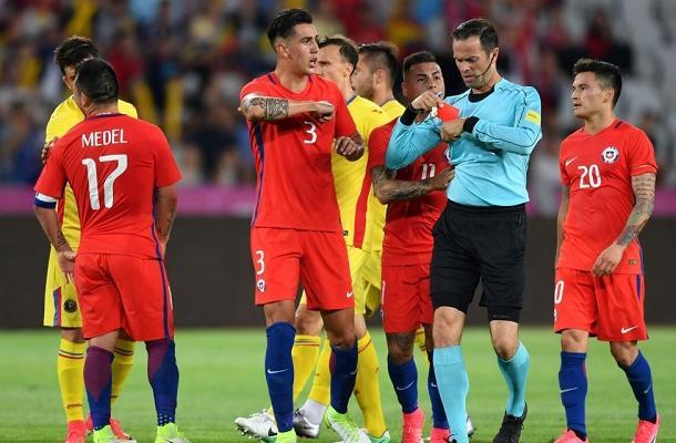 Gary Medel espulsione Romania-Cile