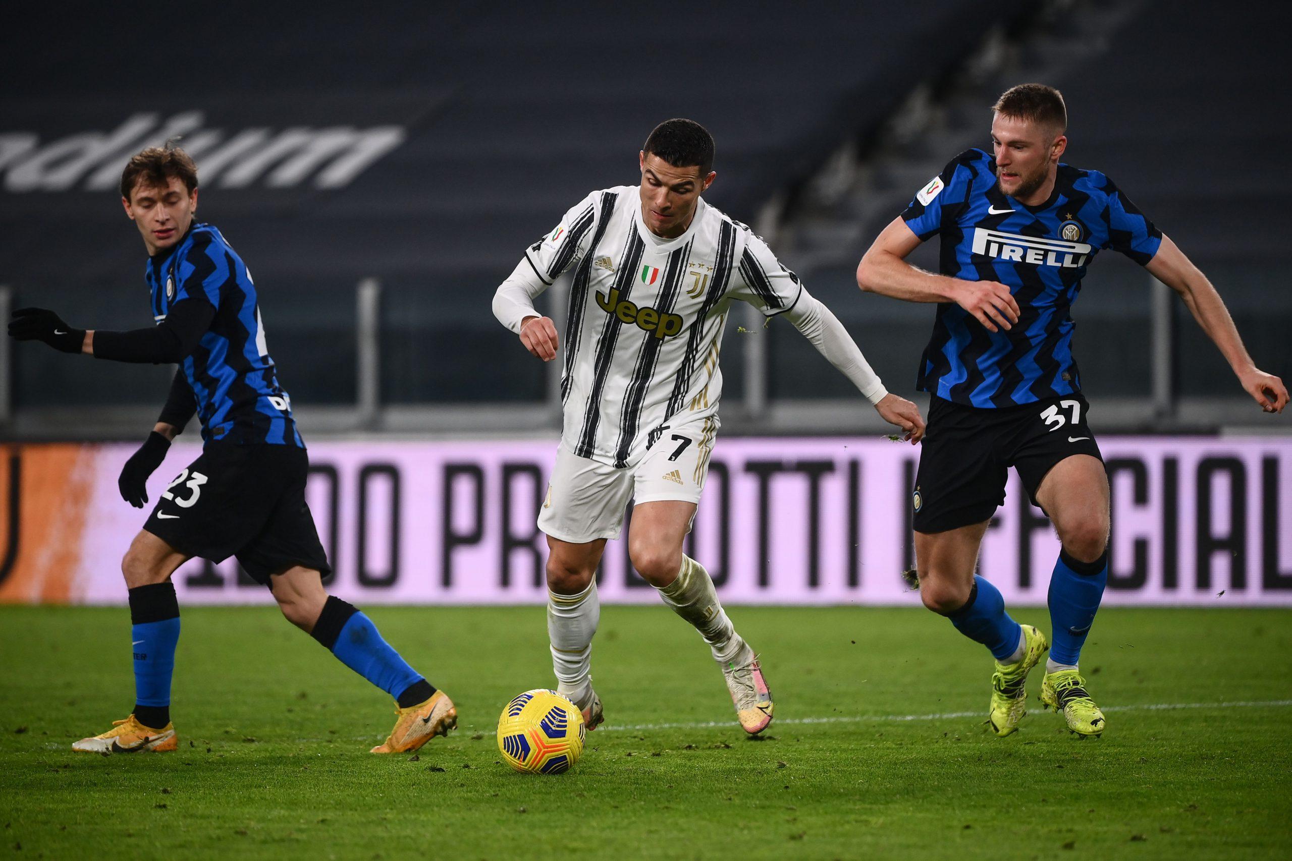 Nicolò Barella e Milan Skriniar contro Cristiano Ronaldo in Juventus-Inter