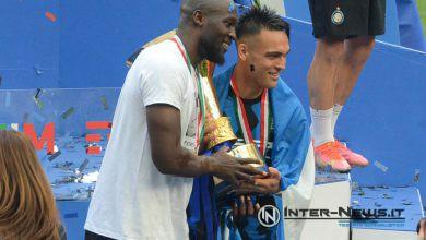 Romelu Lukaku e Lautaro Martinez durante la premiazione scudetto dell'Inter 2020-2021 (Photo by Tommaso Fimiano, Copyright Inter-News,it)